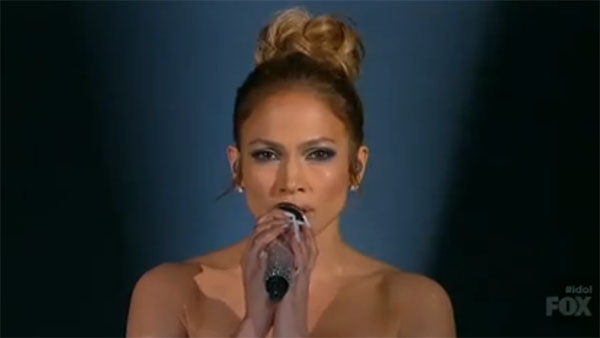 Jennifer lopez sings 39 feel the light 39 from 39 home 39 movie on for Ashland craft american idol