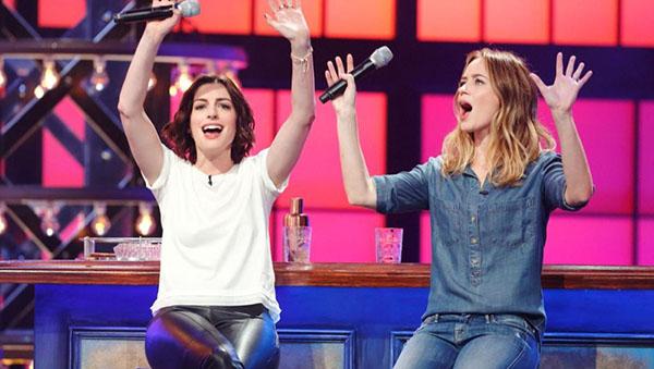 მსახიობები და მათი მეგობრები Anne-hathaway-emily-blunt-lip-sync-battle
