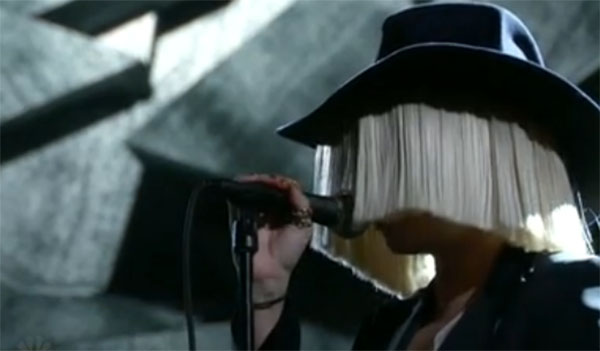 Sia sings 'Elastic Heart' on The Voice Live Playoffs