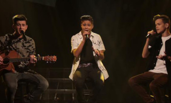 In Stereo sings 'Photograph' on The X Factor Australia Top 10 Live Shows