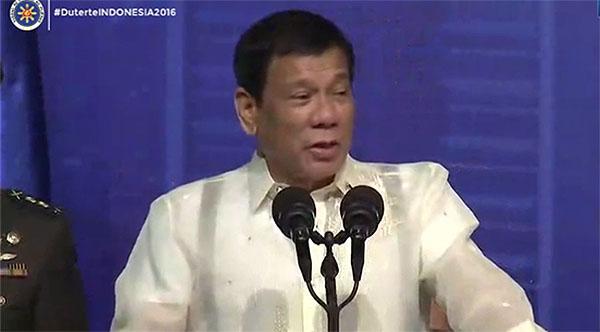 president-duterte-slams-media-who-spin-stories-video