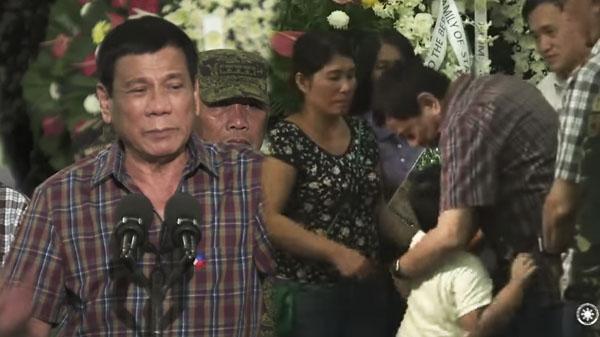 President Duterte visit wake of Fallen Soldiers delivers emotional speech