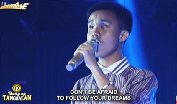 blind-singer-carl-malone-tawag-ng-tanghalan