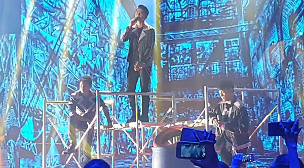 niel-murillo-russell-ford-sings-i-swear-on-pinoy-boyband-superstar
