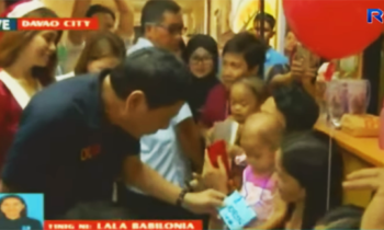 Watch: President Duterte gave gifts to cancer-patient kids on Christmas Eve