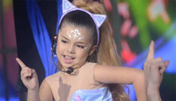 Xia Vigor impersonates Ariana Grande 'Break Free' on Your Face Sounds Familiar Kids