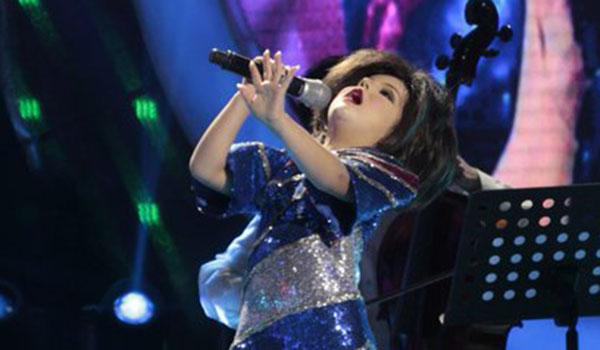 Xia Vigor as Pilita Corrales, sings 'Rosas Pandan' on Your Face Sounds Familiar Kids