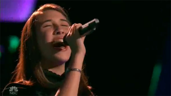 Hanna Eyre sings 'Blank Space' on The Voice 2017 Blind Auditions