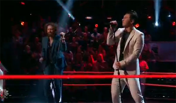 Johnny Hayes vs Julien Martinez 'Hard To Handle' The Voice 2017 Battle Rounds
