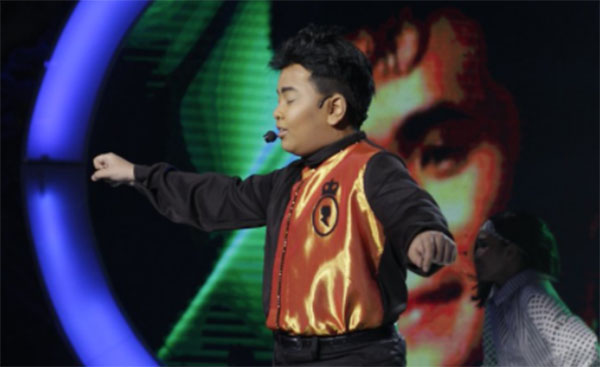 Elha Nympha impersonates Ogie Alcasid on Your Face Sounds Familiar Kids