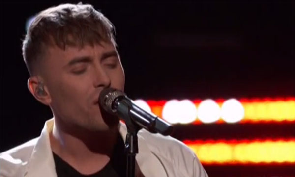 Hunter Plake sings 'Elastic Heart' on The Voice Live Playoffs