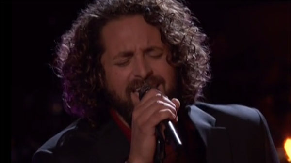 Johnny Hayes sings 'Ain't Too Proud To Beg' on The Voice Live Playoffs