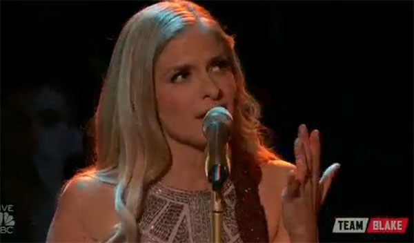 Lauren Duski sings 'Lord, I Hope This Day Is Good' on The Voice Top 12 Live Shows