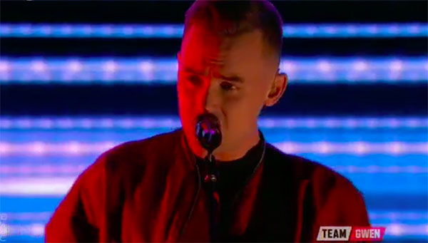 Hunter Plake sings 'With Or Without You' on The Voice 2017 Top 8 Semifinals
