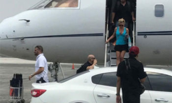 Look: Britney Spears Arrives in Manila for Concert
