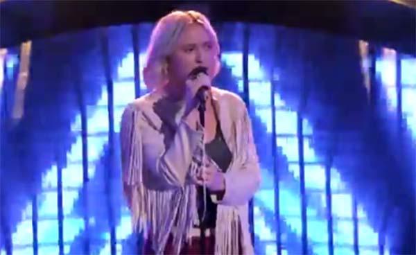 Chloe Kohanski sings 'The Chain' on The Voice 2017 Blind Auditions