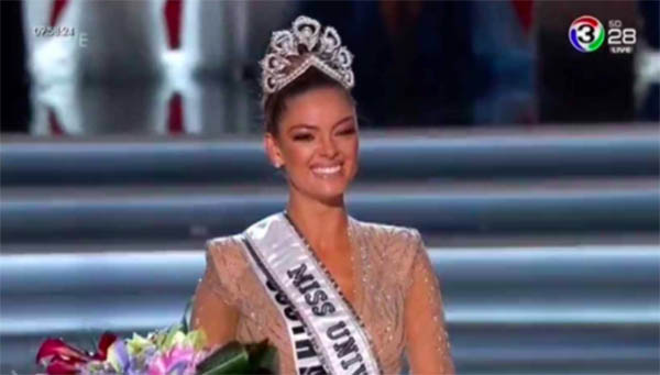 Miss South Africa Demi-Leigh Nel-Peters is Miss Universe 2017