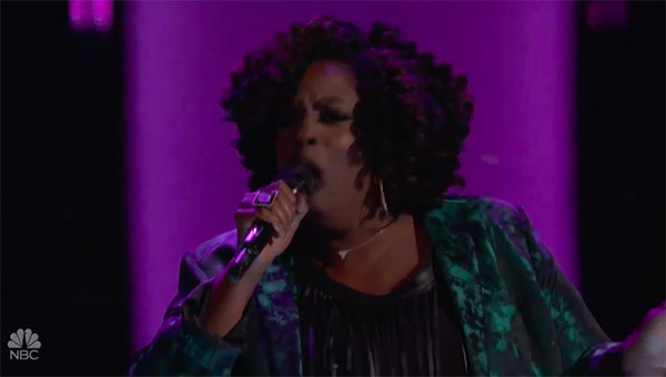 "Tish Haynes Keys sings ""Chain of Fools"" on The Voice 2018 Blind Audition"