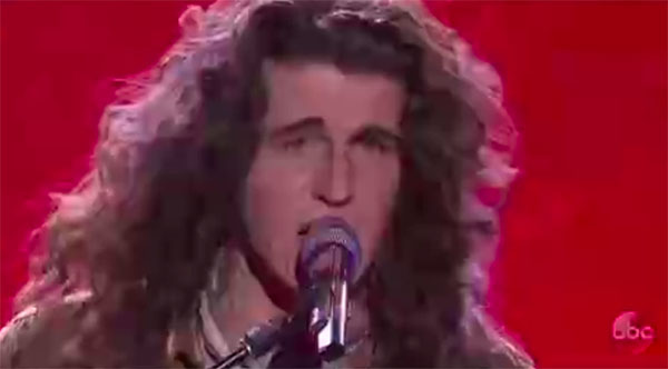 "Cade Foehner sings ""Black Magic Woman"" on American Idol 2018 Top 14 Live Shows"