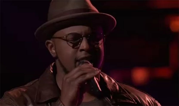 "Gary Edwards sings ""Many Rivers To Cross"" on The Voice 2018 Knockouts"