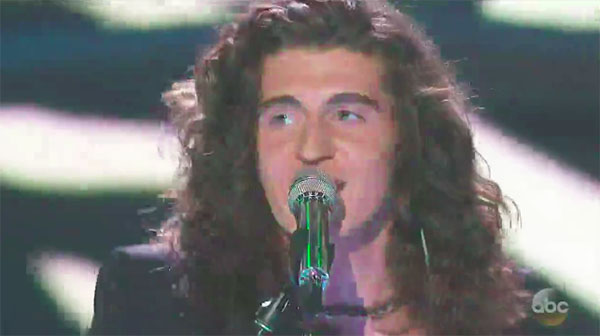 "Cade Foehner sings ""Jungle Love"" on American Idol 2018 Top 7"