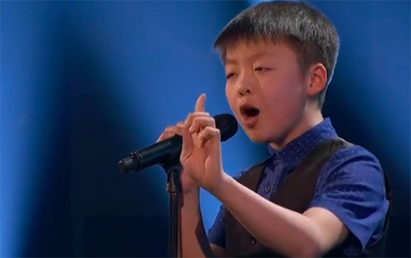 "Jeffrey Li sings ""One Moment In Time"" on Team America's Got Talent 2018 Judge Cuts"