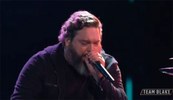 "Dave Fenley sings ""Use Me"" on The Voice Top 11 Live Shows"