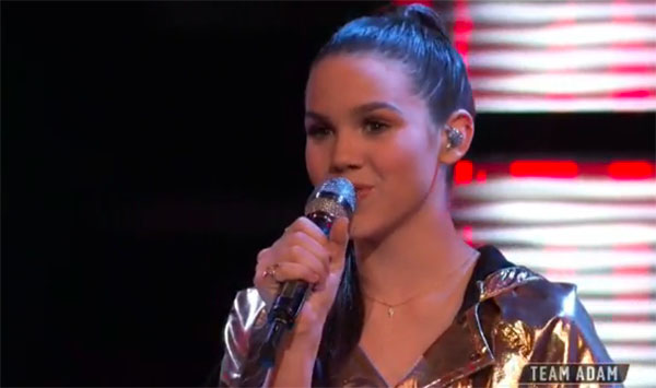 "Reagan Strange sings ""Complicated"" on The Voice Top 11 Live Shows"