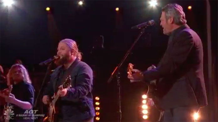 "Chris Kroeze, Blake Shelton ""Two More Bottles of Wine"" Duet The Voice 2018 Finale"
