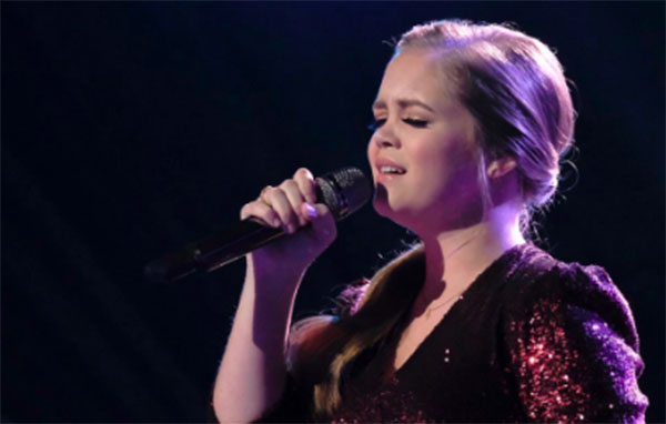 "Sarah Grace sings ""Sign of The Times"" on The Voice 2018 Semifinals"