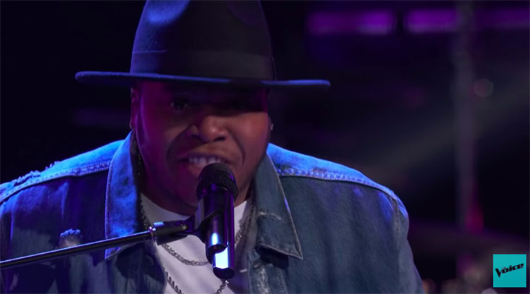 "Mike Jerel sings ""It's a Man's Man's Man's World"" on The Voice Blind Auditions 2020"