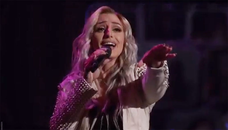 "Kelsie Watts sings ""I Dare You"" on The Voice Blind Auditions"