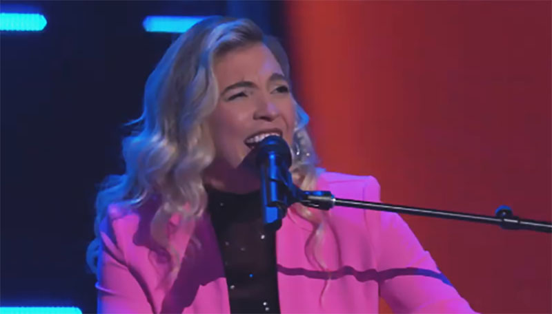 """Marisa Corvo sings """"Perfect"""" on The Voice Blind Auditions"""