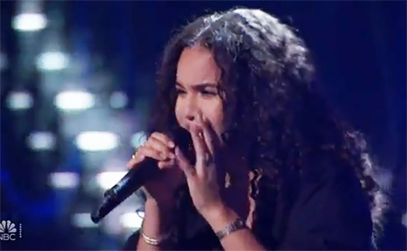 "Olivia Reyes sings ""Falling"" on The Voice Blind Auditions"