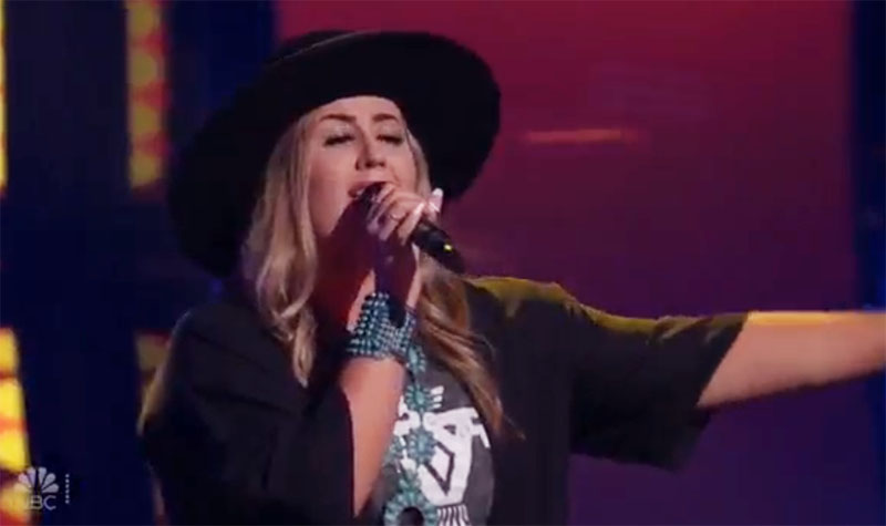 "Bailey Rae sings ""Does My Ring Burn Your Finger"" on The Voice Blind Auditions"