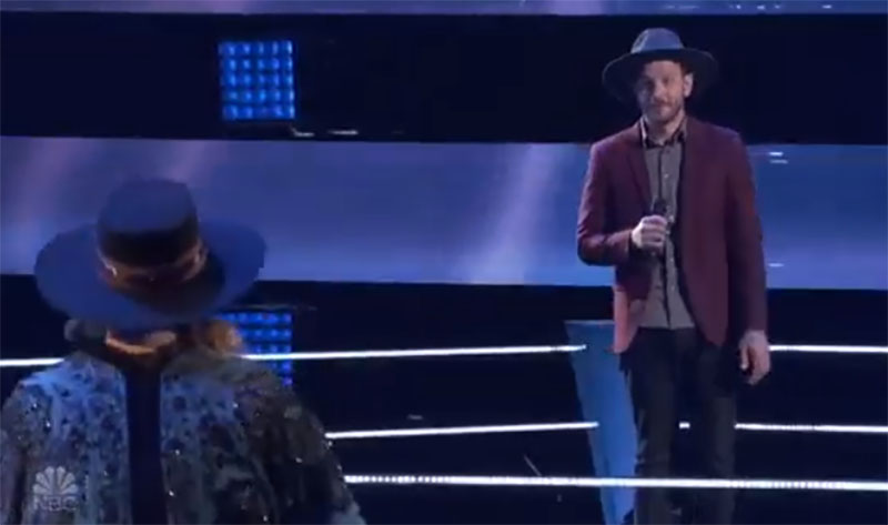 """Bailey Rae vs Sid Kingsley sings """"Tennessee Whiskey"""" on The Voice Battles"""