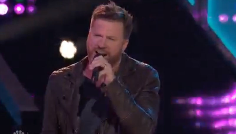 "Ben Allen sings ""She Got the Best of Me"" on The Voice Knockouts"