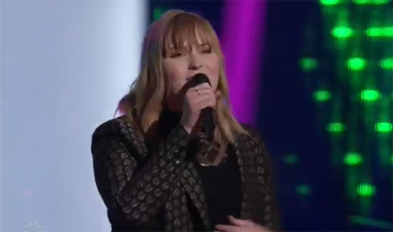 """Emmalee sings """"How Will I Know"""" on The Voice Blind Auditions"""
