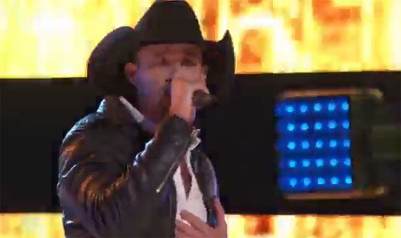 """Tanner Gomes sings """"Real Good Man"""" on The Voice Knockouts"""