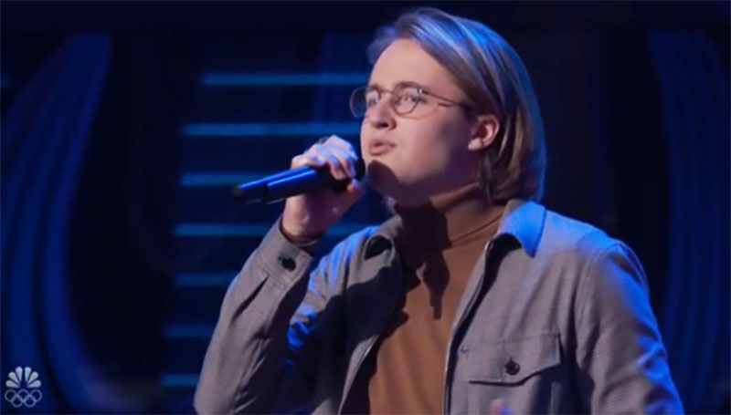 "Bradley Sinclair sings ""Say You Won't Let Go"" on The Voice Season 20 Blind Auditions"
