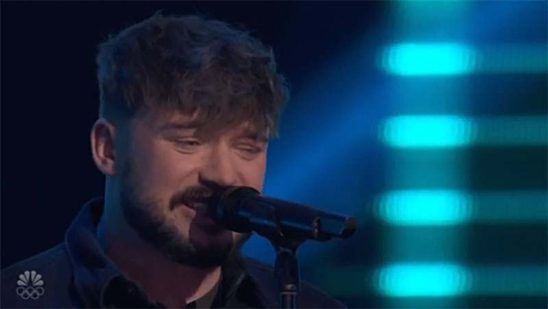 """Corey Ward sings """"Dancing on My Own"""" on The Voice Season 20 Blind Auditions"""