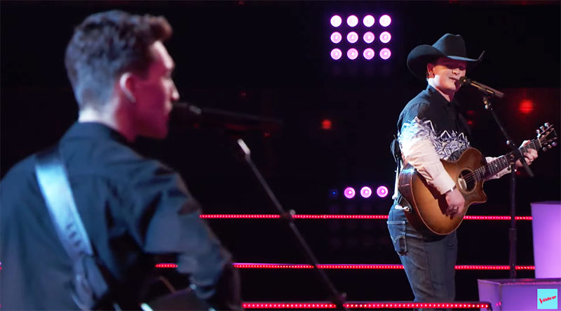 """Ethan Lively vs Avery Roberson sings """"Just Got Started Lovin' You"""" on The Voice Season 20 Battles"""