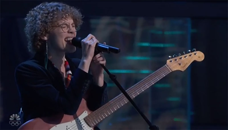 """Raine Stern sings """"Electric Feel"""" on The Voice Season 20 Blind Auditions"""
