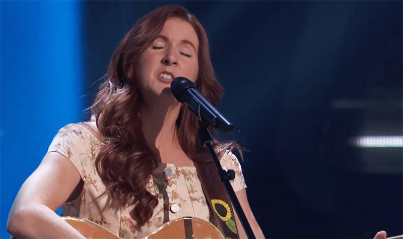 """Savanna Chestnut sings """"Hold Me Now"""" on The Voice Season 20 Blind Auditions"""
