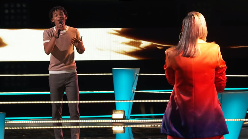 "Cam Anthony vs Emma Caroline sings ""10,000 Hours"" on The Voice Season 20 Battles"