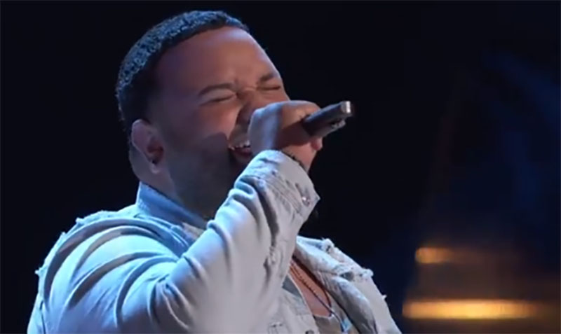 """Jeremy Rosado sings """"Here Comes Goodbye"""" on The Voice Blind Auditions 2021"""