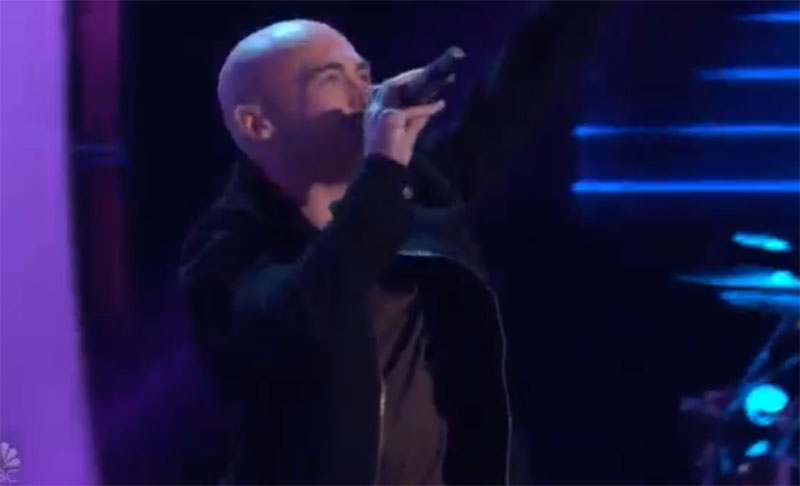 """Tommy Edwards sings """"Drops of Jupiter"""" on The Voice Blind Auditions 2021    Zeibiz"""